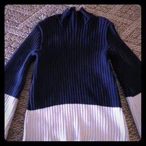 Size Medium, like new Ralph Lauren sweater.